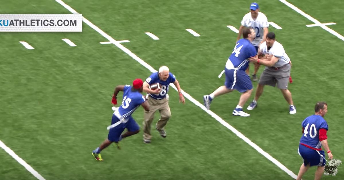 wwII-vet-makes-touchdown