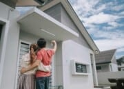 Buying a Foreclosure With a VA Home Loan